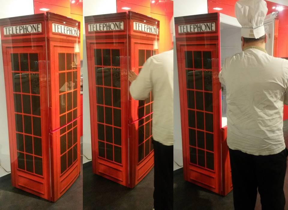 Frigo congelatore cabina telefonica inglese for Cabina telefonica inglese arredamento